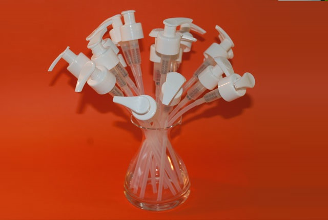 w-Bomba-Disp-28-410-Blanco-STD-y-dosaje-2-ml